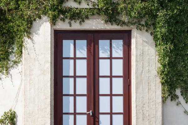 What are Different Types of Door Leaf?