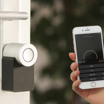 What Dose a Smart Lock Do?